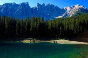 Lago di Carezza coi bambini: il Latemar e la leggenda di Ondina