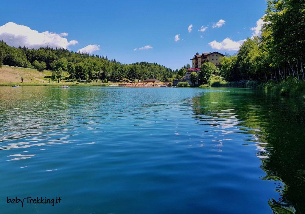 Bambini al lago di Lavarone: bagni e passeggiate per tutti