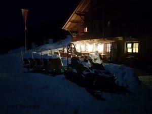 Con le fiaccole a Grossberghutte, di notte in Valle di Altafossa