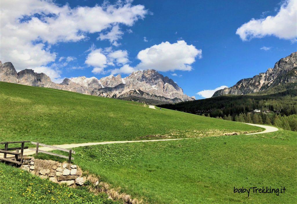 Da Cortina a Campo di Sopra, in passeggino con vista sulle Dolomiti d'Ampezzo