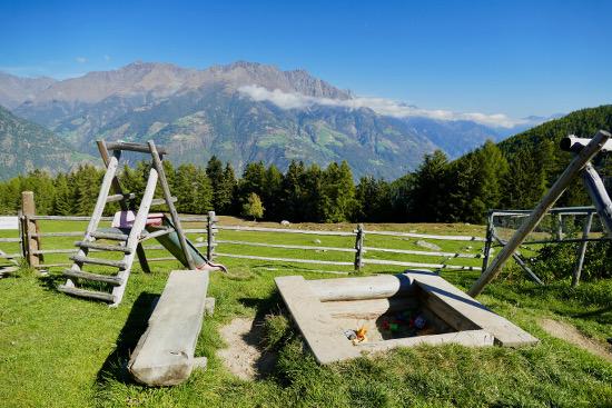 Marzoner Alm, splendida verde Val Venosta in passeggino
