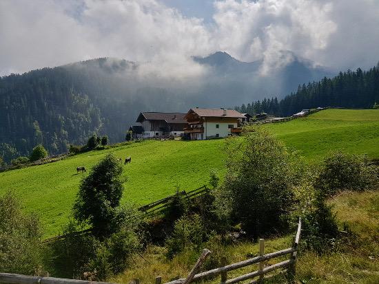 Ulfaser Alm e sentiero acquale Waalweg, Val Pusteria per bambini