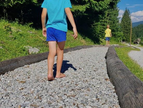 Sentiero a piedi scalzi