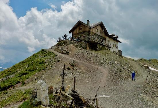 Rifugio Passo Selle