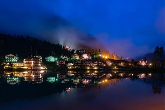 Giro del lago di Alleghe in notturna