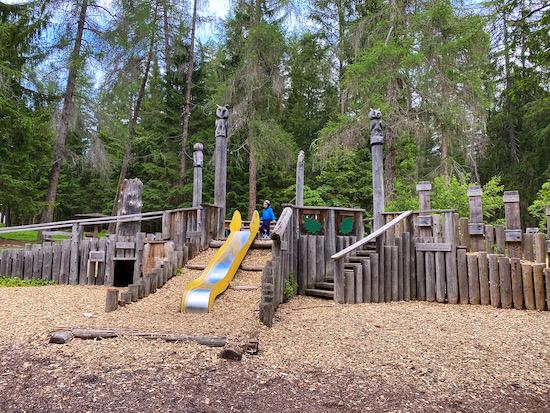 Villaggio degli alberi parco giochi