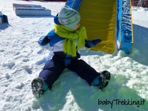 Isolaccia, bambini felici sulla neve