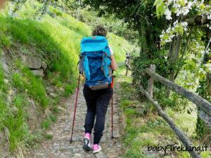 Escursioni con i bambini: test zaino Quechua Escape 50 e bastoncini da trekking Arpenaz 200