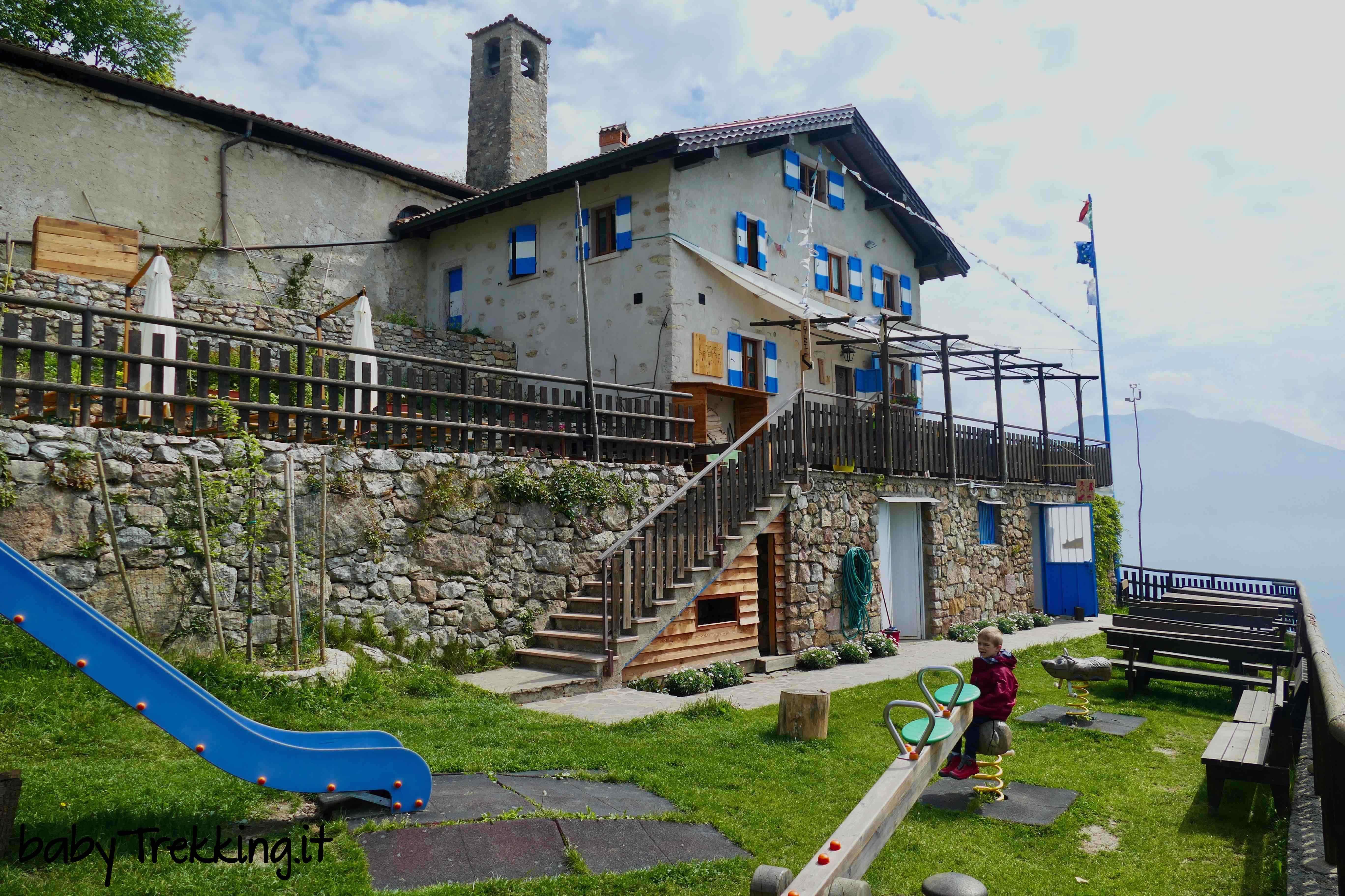 Rifugio san pietro coi bambini sul monte calino con vista for Family hotel asiago