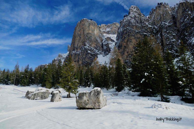 Con le ciaspole in Vallunga: incanto bianco in Val Gardena