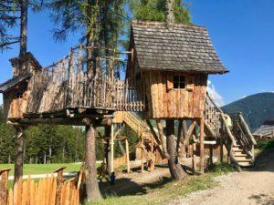 Il villaggio degli gnomi a San Candido: la leggenda prende vita